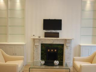 Beautiful One Bedroom Chelsea Flat - London vacation rentals
