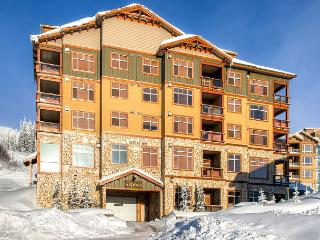 Top Floor 3 Bedroom Luxury Rental With Views Of Big White Ski Runs - Big White vacation rentals