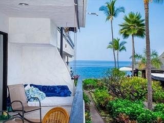 Casa De Emdeko 211 - 2/2 OCEAN VIEW, AC, Elevators, Spacious, 2nd floor gem - Kailua-Kona vacation rentals