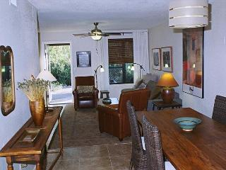 2 bedroom/ 2 bath condo, newly renovated with designer finishes. - Tucson vacation rentals