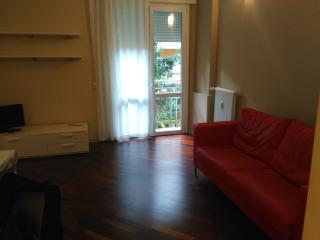 Stanza privata + uso bagno&cucina in centro - Rovigo vacation rentals