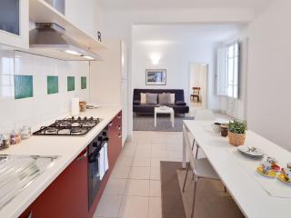 Ilaria del Carretto: two bedrooms apartment - Lucca vacation rentals