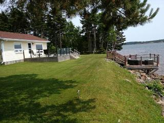 Beautiful Waterfront Cottage - Cornwall vacation rentals