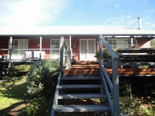Lovely 3 bedroom Venus Bay House with A/C - Venus Bay vacation rentals