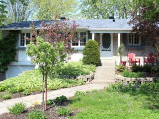 Family house at 15 min. of Montréal - Saint-Bruno-de-Montarville vacation rentals