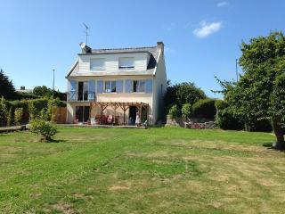 VILLA 12 PERSONNES - 100m PLAGE - IDEAL FAMILLES - Saint-Jacut-de-la-Mer vacation rentals