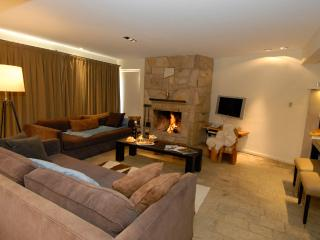 4 Bedroom + 3 Bathroom + Residence with Fireplace - San Carlos de Bariloche vacation rentals