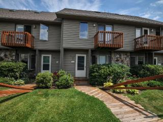 Nice 3 bedroom House in McHenry - McHenry vacation rentals