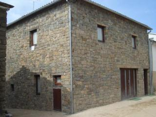 Individual room at Luis Gonzaga Country House - Bragana vacation rentals