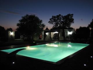 I Trulli di Giuliana con Piscina Riscaldata - San Michele Salentino vacation rentals