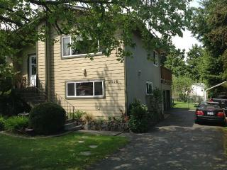 3 Bdrm. 3 Bathroom, great room with wet bar - Saanich vacation rentals
