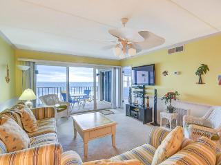 Gorgeous 2 bedroom Fernandina Beach Condo with Internet Access - Fernandina Beach vacation rentals