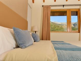 Cozy 3 Bedroom + 2 Bathroom Residence - San Carlos de Bariloche vacation rentals
