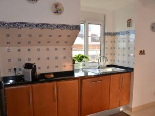 Charming 2bedroom Apartment -10min Lisbon center - Almada vacation rentals