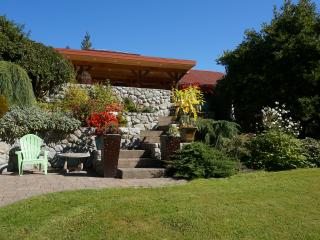 Beautiful Cozy House by the Sea - North Saanich vacation rentals