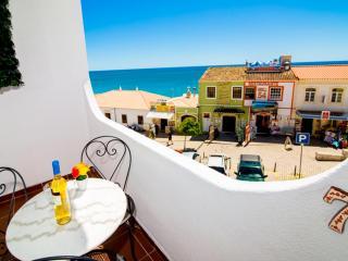 Pe na praia, fantastica vista sobre o mar a 3 minutos a pé da praia - Albufeira vacation rentals