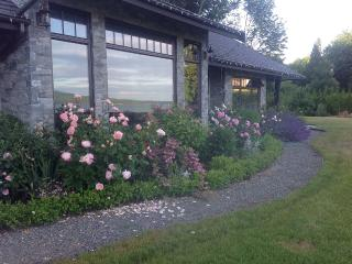 Country Bay Manor, Relax At Luxurious B&B - Nanoose Bay vacation rentals