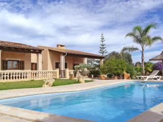 Villa La Torre - Seaview - AirCon - WiF i- - Vilafranca de Bonany vacation rentals