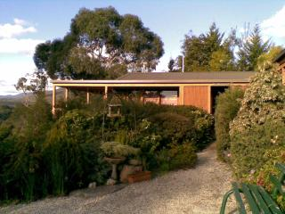 HELGRAH..with views to die for..from $125 - Healesville vacation rentals