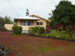 Kehena Beach Getaway.Oceanviews - Pahoa vacation rentals