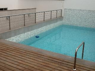 Fullly furnished, modern, cheap, pool, gym, bikes - Lima vacation rentals