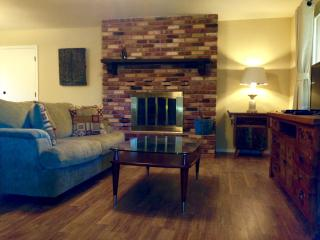2BR 2BA in Quiet Neighborhood, 20min to Sedona! - Cottonwood vacation rentals