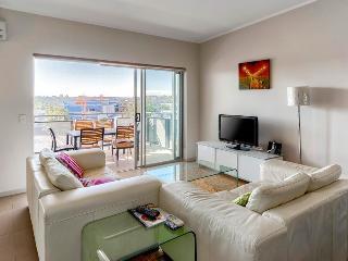 Two Bedroom Unit in Newstead-Close to Emporium - Brisbane vacation rentals
