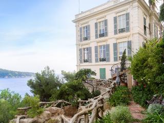 Baie de Villefranche, Sleeps 20 - Villefranche-sur-Mer vacation rentals
