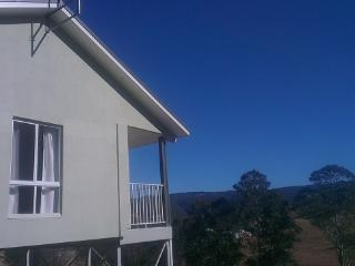 Nice 2 bedroom Kurrajong Cottage with Long Term Rentals Allowed - Kurrajong vacation rentals