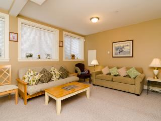 White Rock Beach Inn - 2Bedroom/Bath Suite - White Rock vacation rentals
