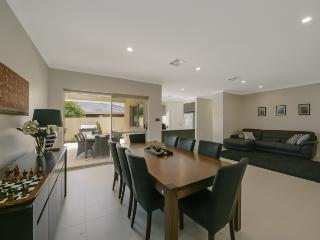 Villa Temasek - Stunning Family Home at its Finest - Perth vacation rentals