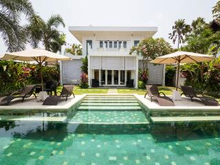 The White House Ulimate Luxury - Seminyak vacation rentals