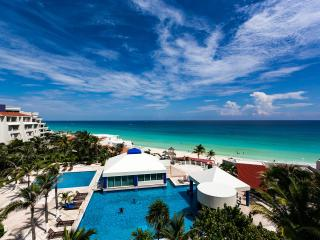 Great Beachfront Penthouse - Terrace - Cancun vacation rentals