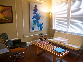 Spacious, Modern 1 bdrm + sofabed - Brookline vacation rentals