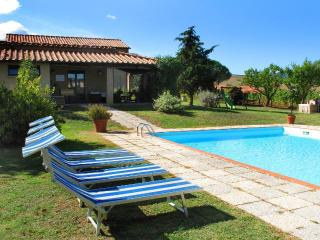 2 bedroom House with Internet Access in Pomarance - Pomarance vacation rentals
