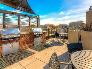 Stay Alfred Thomas Circle, Surrounded By History TC2 - Washington DC vacation rentals