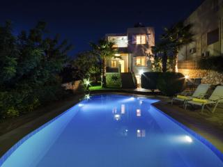 3 bedroom Villa with Internet Access in Plaka - Plaka vacation rentals