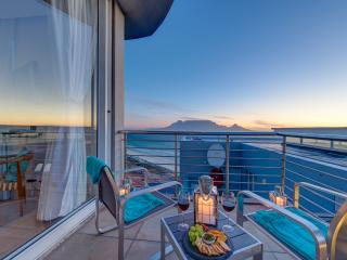 Perfect 3 bedroom Bloubergstrand Penthouse with Television - Bloubergstrand vacation rentals