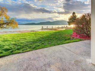 Lakefront views, pool, tennis courts, ski nearby! - Sandpoint vacation rentals