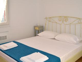 Traditional apartments in Pyrgos - Panormos vacation rentals