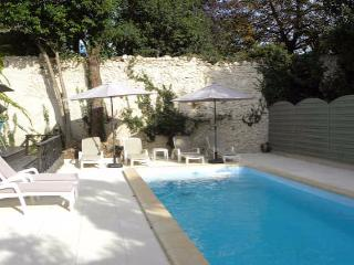 Laurens, villa with pool, France - Laurens vacation rentals