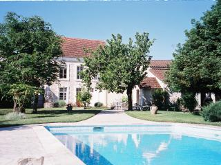 4 bedroom Manor house with Satellite Or Cable TV in Mansle - Mansle vacation rentals