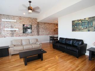 Hosteeva French Quarter Luxury Suite 202 for 4 Ppl - New Orleans vacation rentals