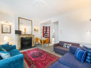 OXFORD STREET HOME FOR 6 PEOPLE - London vacation rentals