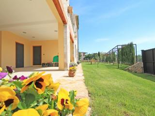 Lovely 4 bedroom House in Sant Mori with Television - Sant Mori vacation rentals