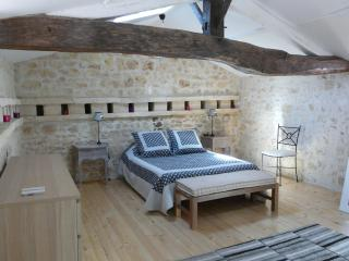 Romantic 1 bedroom Saint Agnant House with Dishwasher - Saint Agnant vacation rentals