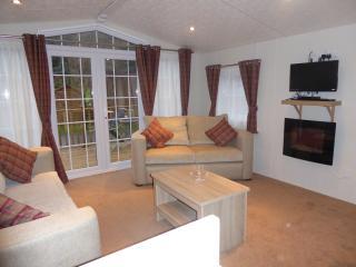 2 bedroom Lodge with Dishwasher in Glendevon - Glendevon vacation rentals