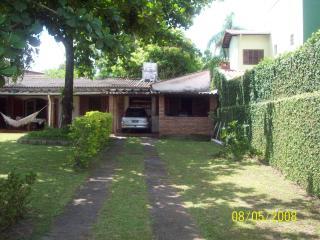 Casa terraço a duas quadra da praia - Itanhaem vacation rentals