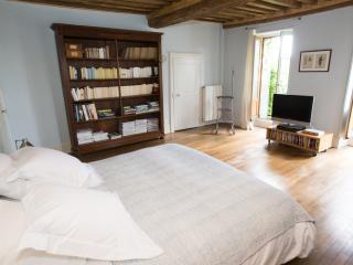 Le Pré Germain Chambre Gustave Eiffel - Beurizot vacation rentals