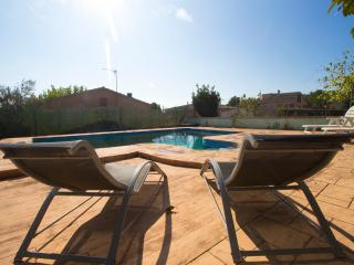 Relaxing Mas Borras villa in Costa Dorada, only 5 minutes to the beach! - Costa Dorada vacation rentals